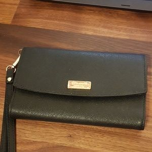 Kate spade black phone wallet cluch